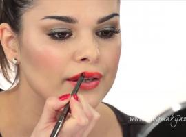 Jak wykonać zmysłowy make-up ust na Walentynki