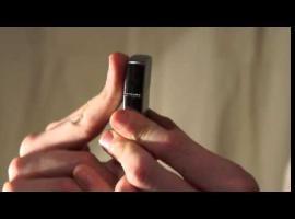 Jak zdobyć fejm - triki z zapalniczką Zippo - Squeez
