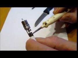 Jak założyć wtyk antenowy