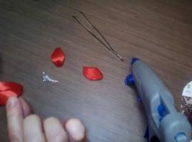 Jak zrobić tulipana z szerokiej wstążki