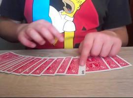 Jak wykonać sztuczkę z kartami - Wędrujący Joker