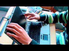 Jak wymienić matrycę w Toshiba Tecra M5