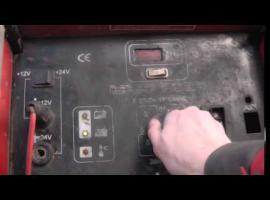 Jak naładować akumulator samochodowy prostownikiem