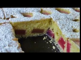 Jak szybko zrobić pulchne ciasto z rabarbarem