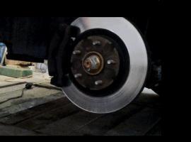 Jak wymienić łożysko koła przód Nissan Qashqai J10 (2010r)