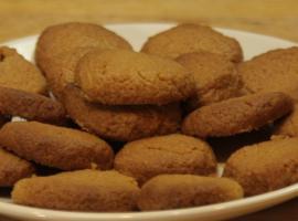 Jak zrobić domowe ciasteczka orzechowe