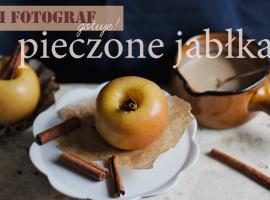 Pieczone jabłka i słodki sos beszamelowy