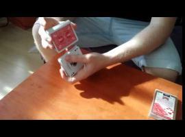 Jak wykonać sztuczkę z tasowaniem kart - udawane tasowanie