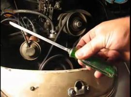 Jak ekspresowo wymienić pasek klinowy w Garbusie - mega hack