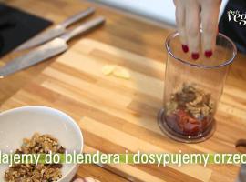 Jak zrobić pastę z pieczonej papryki