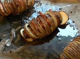 Jak zrobić ziemniaki z boczkiem i serem