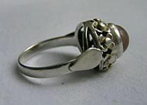 Jak czyścić srebrą biżuterię