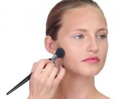 Jak konturować twarz okrągłą