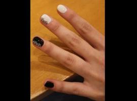 Jak pomalować paznokcie - artystyczne biało czarne wzory