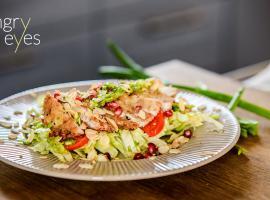 Jak zrobić danie z kurczakiem - panko kurczak z sałatą