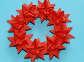 Jak zrobić papierowy wieniec z Gwiazdek Froebla