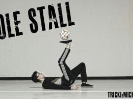 Jak zrobić SOLE STALL (Trzymanie piłki na podeszwie)