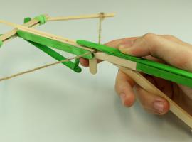 Jak zbudować małą kuszę - bronie biurowe