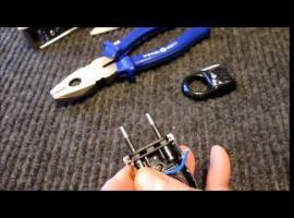 Jak podłączyć przewód do płaskiej wtyczki