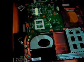 Jak wymienić gniazdo zasilania w laptopie