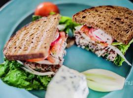 Jak zrobić męską kanapkę z klasą - mięso mielone i ser blue