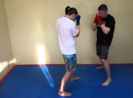 Jak bronić się w boksie - zasłona przed ciosami prostymi