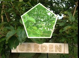 Jak zrobić ozdobę do ogrodu z kawałka deski