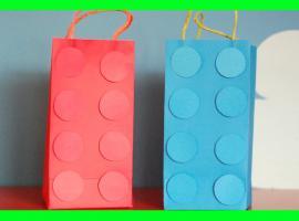Jak zapakować prezent - torebki w kształcie klocków Lego