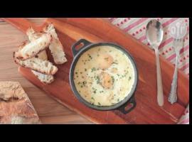 Jak przygotować jajka pieczone z szynką