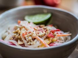 Jak przygotować makaron ryżowy z dodatkami