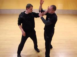 Jak opanować sztukę karate - dźwignie nadgarstkowe