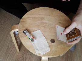 Jak wykonać fajną sztuczkę karcianą oraz trik z monetą