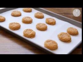 Jak upiec trzyskładnikowe ciastka z masłem orzechowym