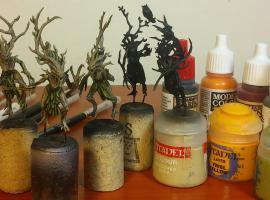 Jak pomalować korę, liście i oczy na figurce