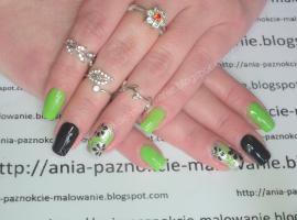 Jak pomalować paznokcie - pomysł z zielonym kolorem