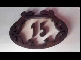 Jak zrobić drewnianą tabliczkę z numerem domu