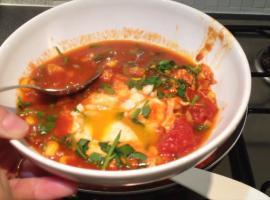 Jak zrobić pyszne jajka w pomidorach - szakszuka