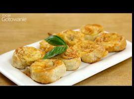 Jak przygotować szybkie przekąski na ciepło z szynką i serem