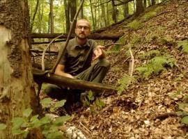 Jak zrobić prosty młotek - obozowe usprawnienia w lesie