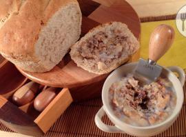 Jak zrobić wiejski smalec ze skwarkami i jabłkiem