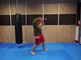 Jak trenować boks - kontra pośrednia, zbicie plus lewy prosty
