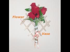 Jak zrobić wiszącą wazę na sztuczne kwiaty ze słomek