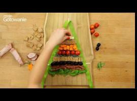 Jak przygotować stół na święta - przekąski w kształcie choinki