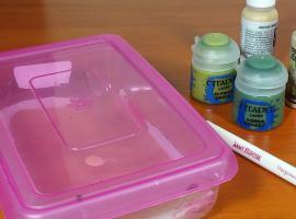 Jak malować figurki - mokra paleta do malowania