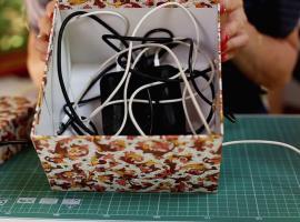 Jak zrobić pudełko na ładowarki i mieć spokój z kablami