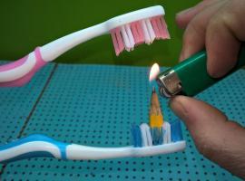Jak zrobić kilka fajnych rzeczy ze szczoteczki do zębów