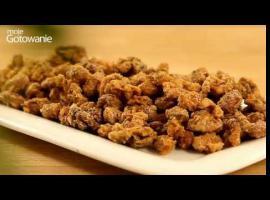 Jak zrobić pyszne i chrupiące orzechy w pikantnym karmelu