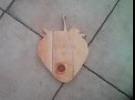 Jak zrobić deskę do krojenia w kształcie truskawki na Dzień Mamy