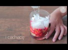 Jak zrobić owocowego drinka - truskawkowa caipirinha