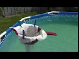 Jak czyścić basen z piasku - podwodny odkurzacz